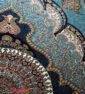 فرش ماشینی کاشان 700 شانه نیاوران طرح ارشیدا زمینه آبی صددرصد اکرلیک تراکم 2550 کد 700585