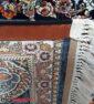 فرش کاشان 700 شانه نیاوران طرح حوض نقره زمینه سرمه ای صددرصد اکرلیک تراکم 2550 کد 700610