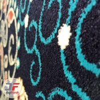 فرش گبه ماشینی سبلان کاشان طرح افشان زمینه سرمه ای کد 61400079