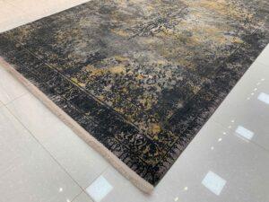 فرش کهنه نمای کاشان