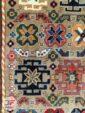 نمای نزدیک فرش طرح سنتی زمینه بژ کد 108