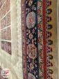 نمایی از حاشیه فرش سنتی زمینه بژ کد 103