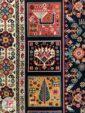 نمای نزدیک فرش طرح قشقایی زمینه مشکی کد 102