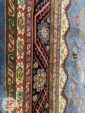 حاشیه فرش ماشینی طرح قشقایی زمینه آبی کاربنی کد 106