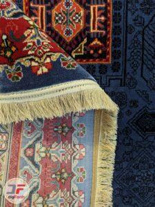 پشت فرش ماشینی سنتی زمینه سرمه ای کد 103