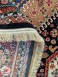 پشت فرش ماشینی سنتی زمینه سرمه ای کد 105