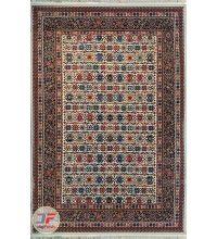 روی فرش ماشینی سنتی زمینه کرم کد 108