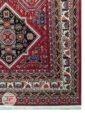 یک چهارم فرش ماشینی طرح سنتی زمینه لاکی با کد 111